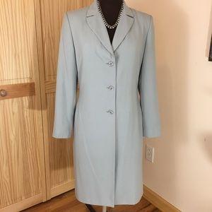 Harve Bernarda  Women light coat long blazer
